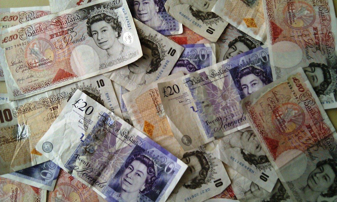 Waluta Anglii – przewodnik po brytyjskiej walucie
